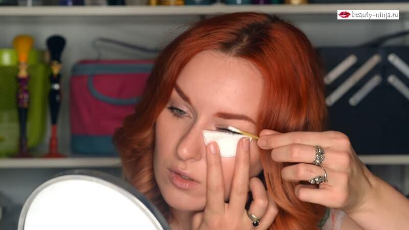 Первый вариант снятия макияжа с ресниц