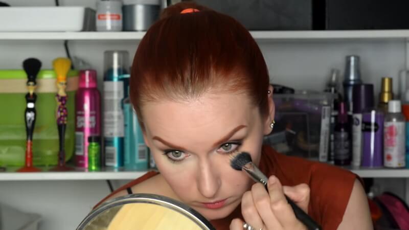 Перекрываем розовый консилер Make Up Secret Professional тоном Make Up Secret Conpact Foundation
