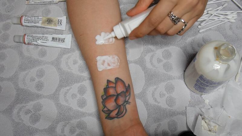 Пример клей ПВА на коже