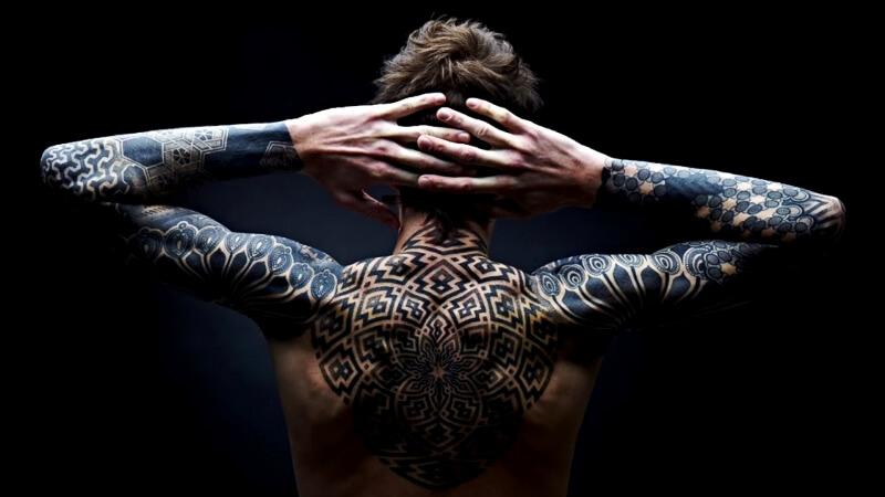 Татуировка в стиле Black Work